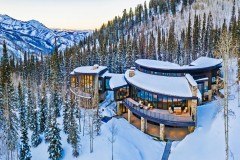 Soaring Waters - Magnificent Mountain Modern Ski Home