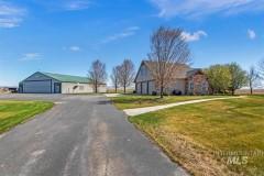 Custom Home w/ Private Air Park/Hangar Mayfield, ID